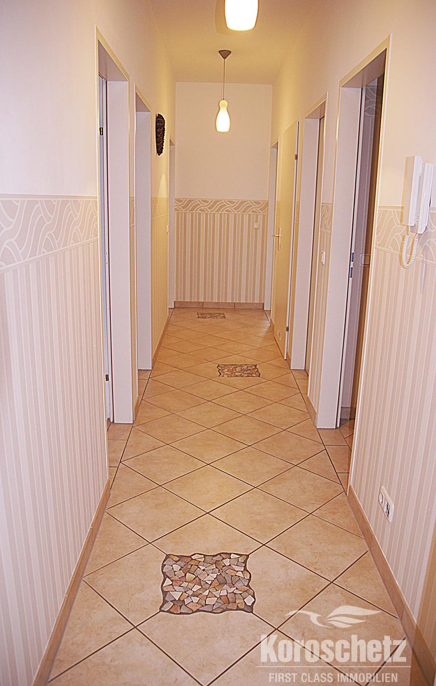 elegante eigentumswohnung mit seeblick immobilien koroschetz. Black Bedroom Furniture Sets. Home Design Ideas